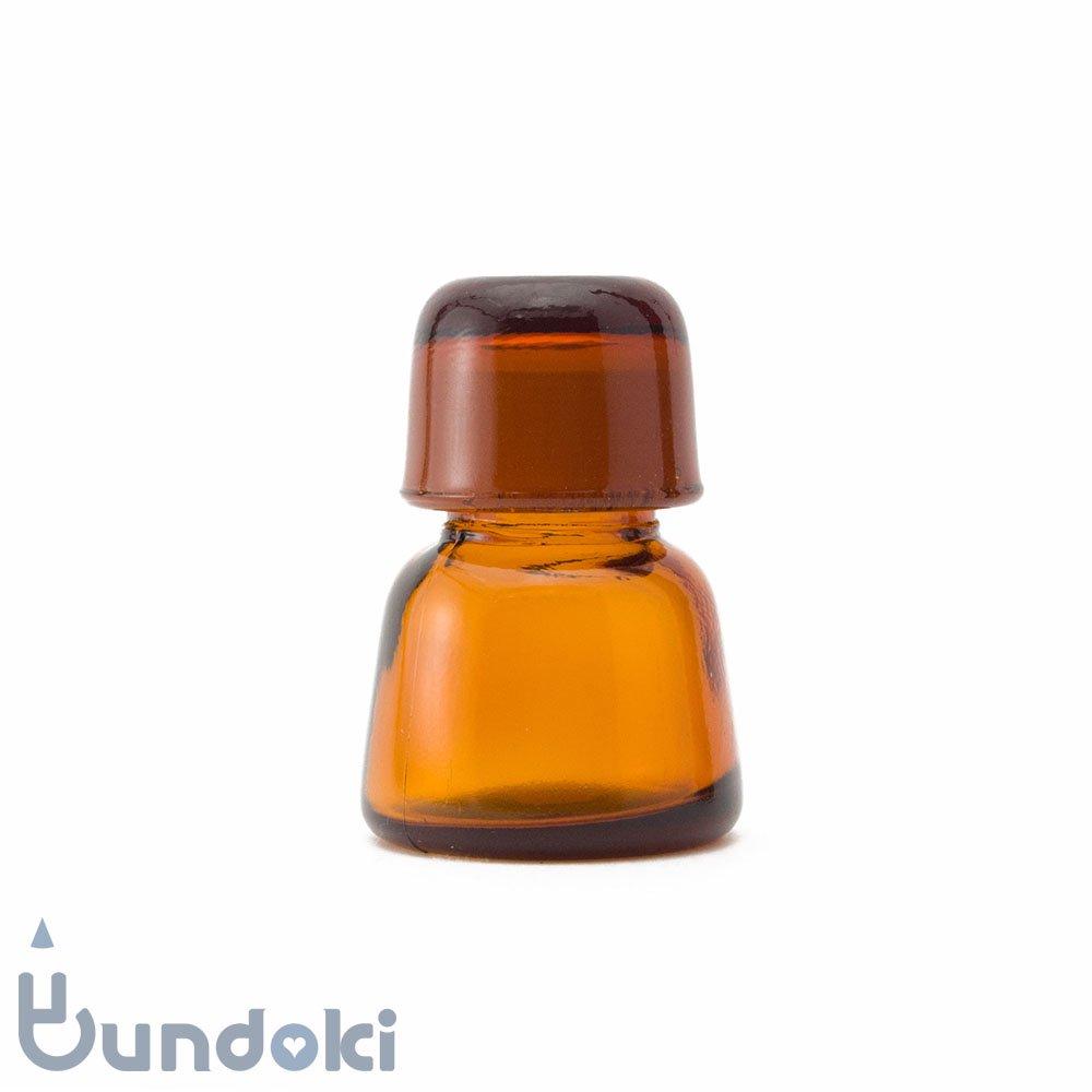 日本製のガラス瓶・有帽薬瓶 (茶)
