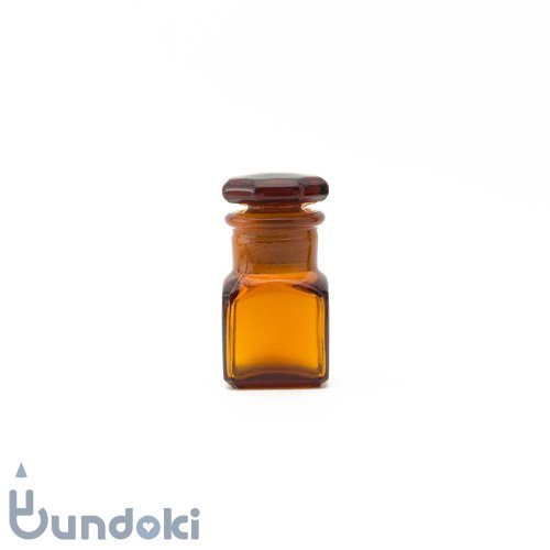 日本製のガラス瓶・薬瓶 (茶)