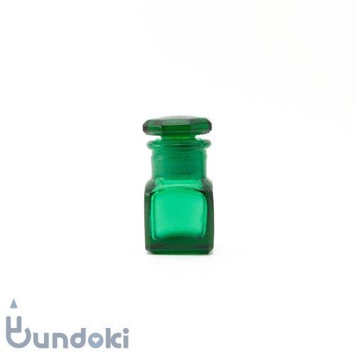 日本製のガラス瓶・薬瓶 (緑)