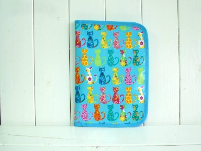 母子手帳ケース EHAKO 母子手帳ケース Lサイズ Ehako(エハコ) 母子手帳ケース カラフルキャット ブルー(ビニールコーティング) L