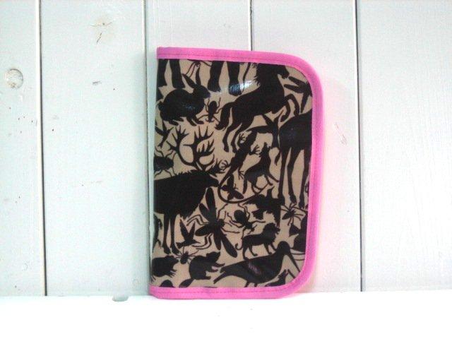 母子手帳ケース EHAKO 母子手帳ケース Mサイズ Ehako(エハコ) 母子手帳ケース ブラウンアニマル(ビニールコーティング) M