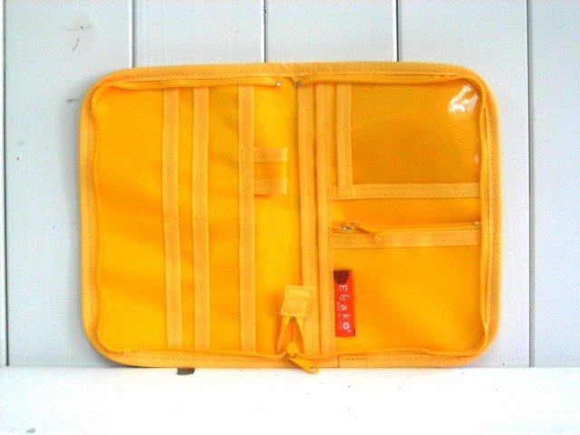 母子手帳ケース EHAKO 母子手帳ケース Mサイズ Ehako(エハコ) 母子手帳ケース サークルオレンジ(ビニールコーティング) M