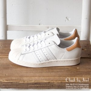 <img class='new_mark_img1' src='//img.shop-pro.jp/img/new/icons21.gif' style='border:none;display:inline;margin:0px;padding:0px;width:auto;' />ADIDAS スニーカー SUPERSTAR 80s ホワイト×ブラウン