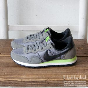 <img class='new_mark_img1' src='//img.shop-pro.jp/img/new/icons21.gif' style='border:none;display:inline;margin:0px;padding:0px;width:auto;' />NIKE スニーカー PEGASUS '83 グレー