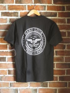 <img class='new_mark_img1' src='//img.shop-pro.jp/img/new/icons1.gif' style='border:none;display:inline;margin:0px;padding:0px;width:auto;' /> HARD LUCK AK Eagle Tshirt