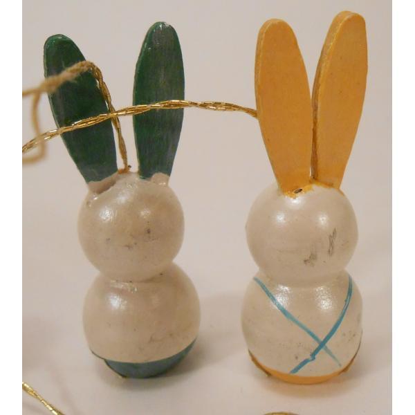 ヴィンテージ・イースター木製オーナメント・青とピンクのエッグとお耳が緑と黄色のうさぎさんたち・4個セット【画像6】