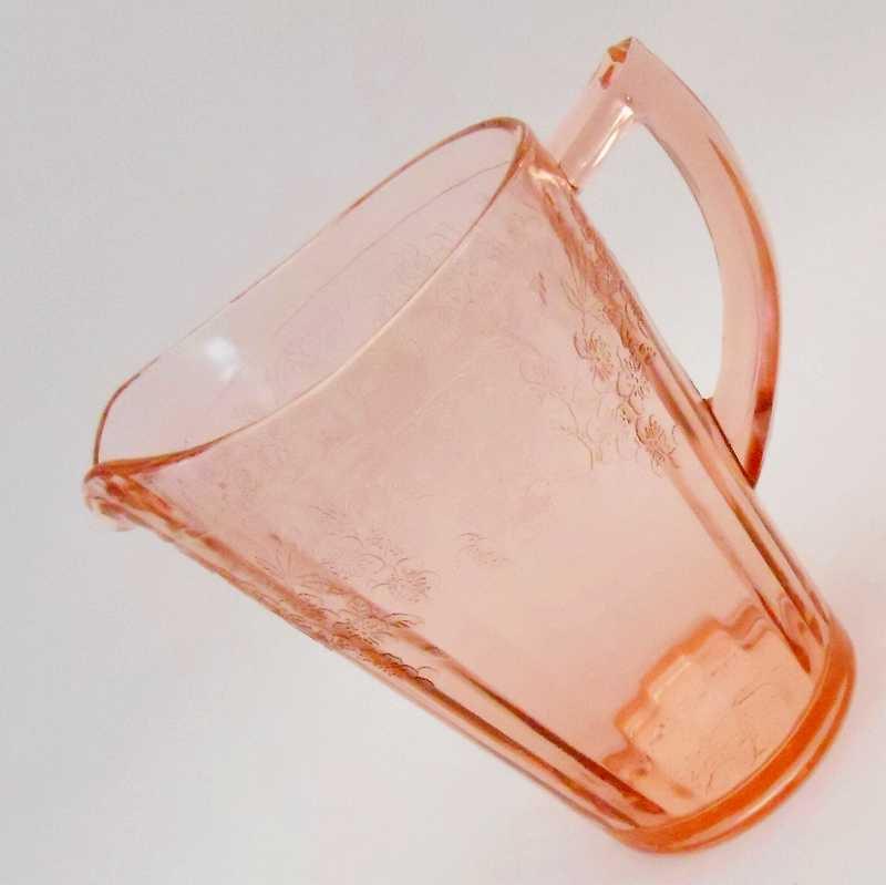 ジャネット・ディプレッショングラス・チェリーブロッサム・7インチ・ピッチャー・1930年〜1939年