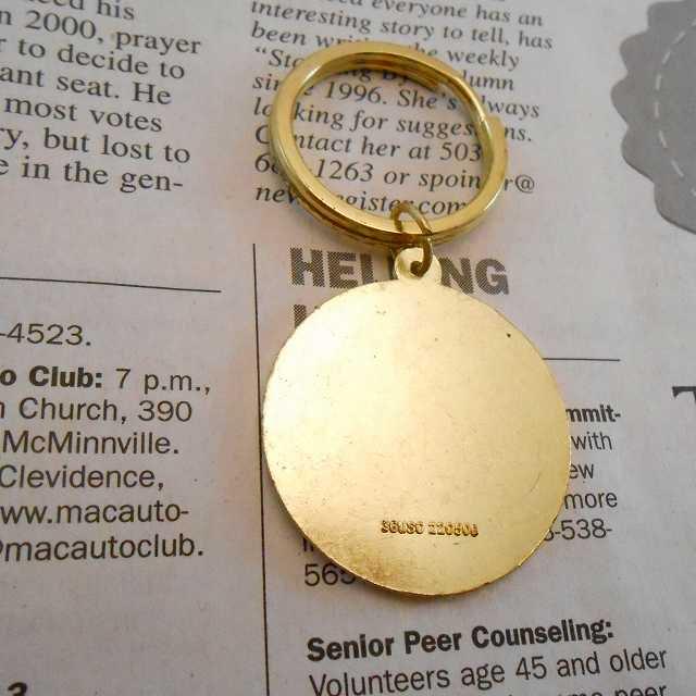 ヴィンテージキーホルダー・2002年USAオリンピック・金メダル・メタル製【画像3】