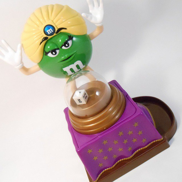M&Ms・フォーチュンテラー・占い師・チョコレートディスペンサー・プラスチック製