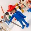 レゴ・プレイモビル・フィッシャープライスフィギュアなど ヴィンテージ・1982年以前製造・プレイモービル・Geobra・ゲオブラセット・青ボディ&赤帽子&鍬