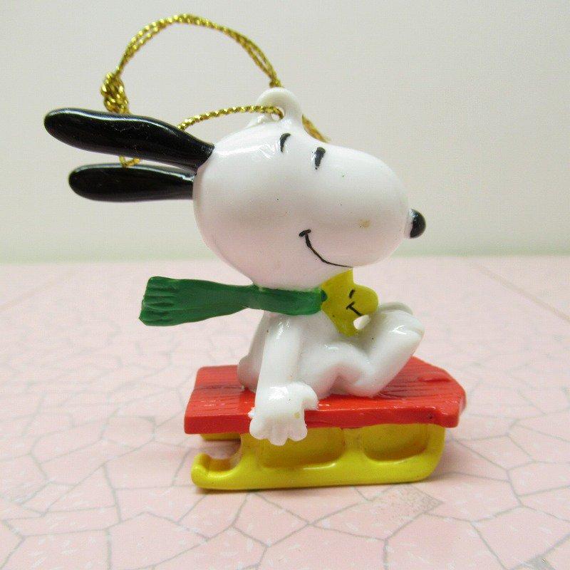 スヌーピー PVC ホイットマンズ クリスマス オーナメント 緑のマフラーとそり【画像4】