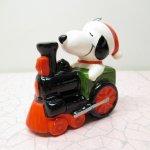ツリーにつけるオーナメント  スヌーピー クリスマスオーナメント Determined社 サンタとトレイン 陶器製