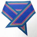 レディス  ヴィンテージスカーフ VERA 青xレインボーストライプフレーム ロング 長方形