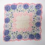 ファッション  ヴィンテージハンカチ ピンクトリム 青と白のバラ