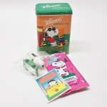 ヴィンテージ雑貨  スヌーピー ウィットマン ティン缶 PVC&シール付き チームJOE COOL