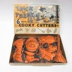 パッケージ&パッケージに味のある雑貨&チーズボックスなど  ハロウィン 1940〜50年代 ボックス付き メタル製クッキーカッター 5個セット
