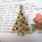 レディス  ヴィンテージアクセサリー クリスマスツリーゴールド 赤青緑オーナメント ブローチ