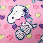 キャラクター  スヌーピーはぎれ 42センチx48センチ バレンタインハートを持つスヌーピー