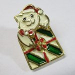 レディス  クリスマスイヤリング 猫とプレゼント ピアス
