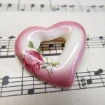バレンタイン  ヴィンテージピン ピンク&ホワイトハートとローズ