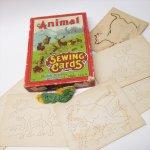 パッケージ&パッケージに味のある雑貨&チーズボックスなど  ヴィンテージトイ Animal Sewing Card ボックス付きセット