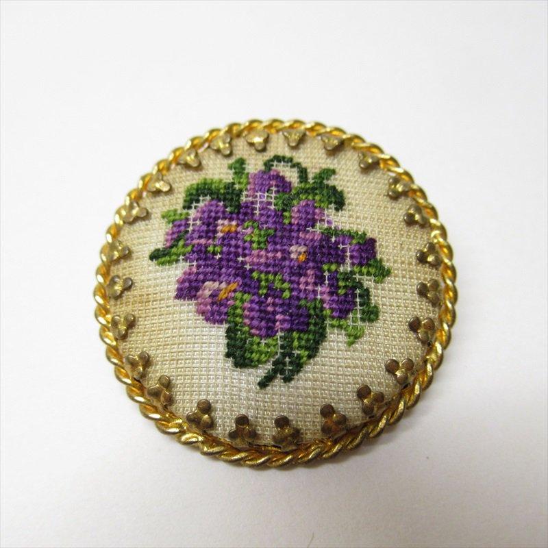 ヴィンテージアクセサリー オーストリア製スミレの刺繍ブローチ【画像2】