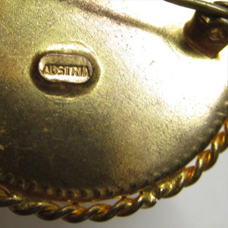 ヴィンテージアクセサリー オーストリア製スミレの刺繍ブローチ【画像5】