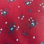 シーツ&ハンドメイド素材  ヴィンテージファブリック チェリーレッドベース&青の小花はぎれ