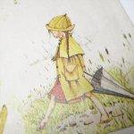 キャラクター  ヴィンテージラッピングペーパー ホーリーホビー レインコートの女の子