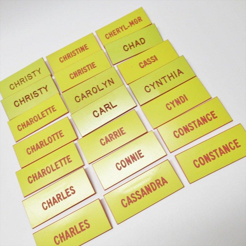 ヴィンテージピン ネームタグ 黄色 アルファベット C 【画像3】