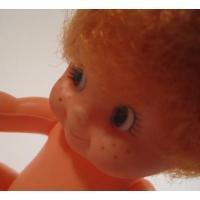★ヴィンテージ雑貨 香港製・そばかす女の子人形