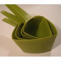 ビンテージ・アボカドグリーン・プラスチック製・トライアングル・メジャリングカップ4つセット