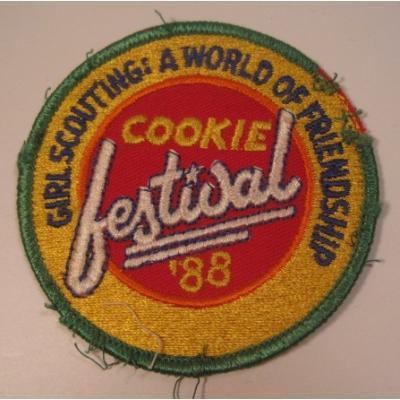 ビンテージワッペン「Girl Scouting! Cookie Festival '88」ガールスカウトワッペン【画像3】