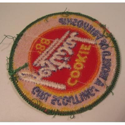 ビンテージワッペン「Girl Scouting! Cookie Festival '88」ガールスカウトワッペン【画像4】