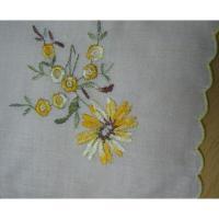 ファッション ビンテージ・ハンカチ「イエローフラワー刺繍」