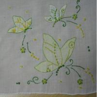 ビンテージ・ハンカチ「イエローバタフライ&フラワー刺繍」
