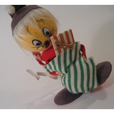 クリスマス ビンテージ・クリスマスディスプレイ「緑のビッグストライプソックスを持つお人形」