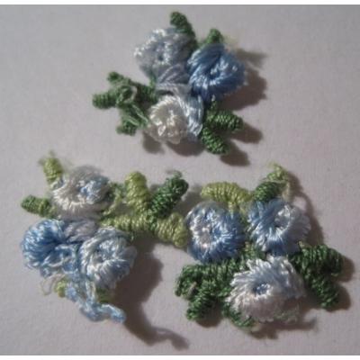 ハンドメイド用タグ&パッチ&アップリケ&ワッペン ビンテージアップリケ「小さな青いお花・3枚セット」