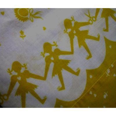 その他 ビンテージピローケース「女の子とはさみと帽子・黄色」