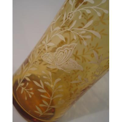 ビンテージグラス「アンバーベース&クリーム色バタフライ&お花」