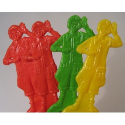 ミラー&コームなどその他服飾雑貨全般 ヴィンテージ・マクドナルド・1980年〜1984年「ロナルドマクドナルド」緑&赤&黄・キッズ用コ—ム