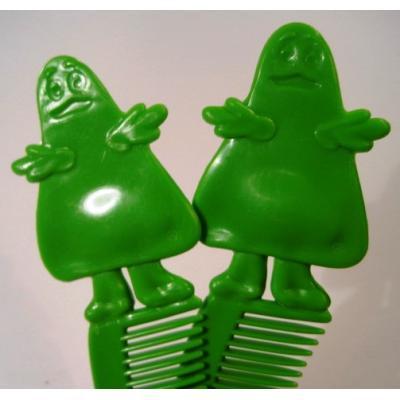 ミラー&コームなどその他服飾雑貨全般 ヴィンテージ・マクドナルド・カナダ製・1984年「グリマス」緑・キッズ用コ—ム