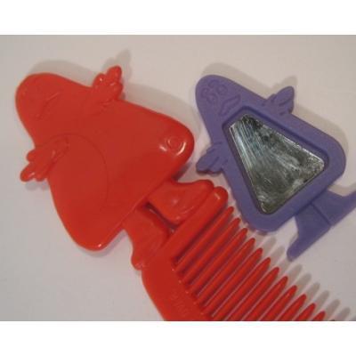 ミラー&コームなどその他服飾雑貨全般 ヴィンテージ・マクドナルド・米国製・1980年「グリマス」赤・キッズ用コ—ム&米国製・1987年「グリマス」紫・ミニミラーセット