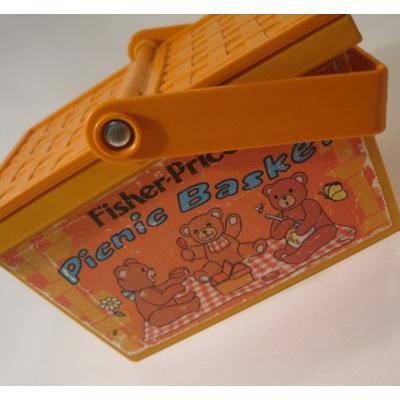 フィッシャープライスとプレイスクールトイなど 1974年・Fisher Price・フィッシャープライス・プラスチック製・くまちゃんピクニックバスケット【B】