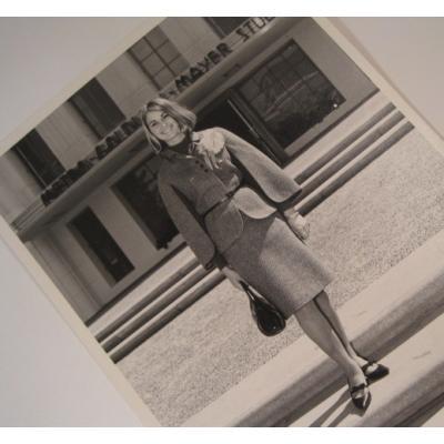 ジャンク雑貨 ビンテージフォト「スーツ姿のボブの女性」