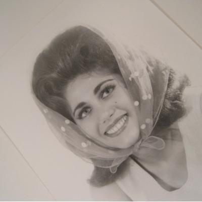 ジャンク雑貨 ビンテージフォト「水玉のスカーフを頭に巻いた女性」