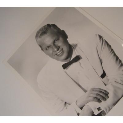 ジャンク雑貨 ビンテージフォト「Art Norkus・白いタキシードを着た白人男性」