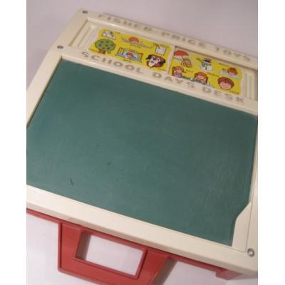 フィッシャープライスとプレイスクールトイなど Fisher Price・フィッシャープライス「1972年・School Days Desk・学校机」