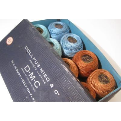 シーツ&ハンドメイド素材 デッドストック・フランス製・D.M.C.・タディング用スプール3色・8個セット・紙製ボックス入り