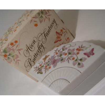 ジャンク雑貨 ボックス付き・AVON・エイボン・Butterfly Fantasy・バタフライプリント・扇型・陶器製小物入れ
